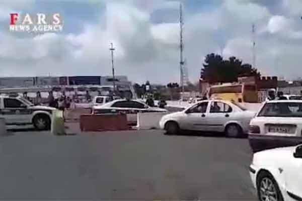 فیلم ، ماجرای بسته و باز کردن خروجی تهران در عوارضی قم ، واکنش نیروی انتظامی