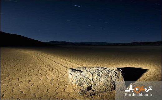 صخره ای متحرک در یک دشت عجیب!