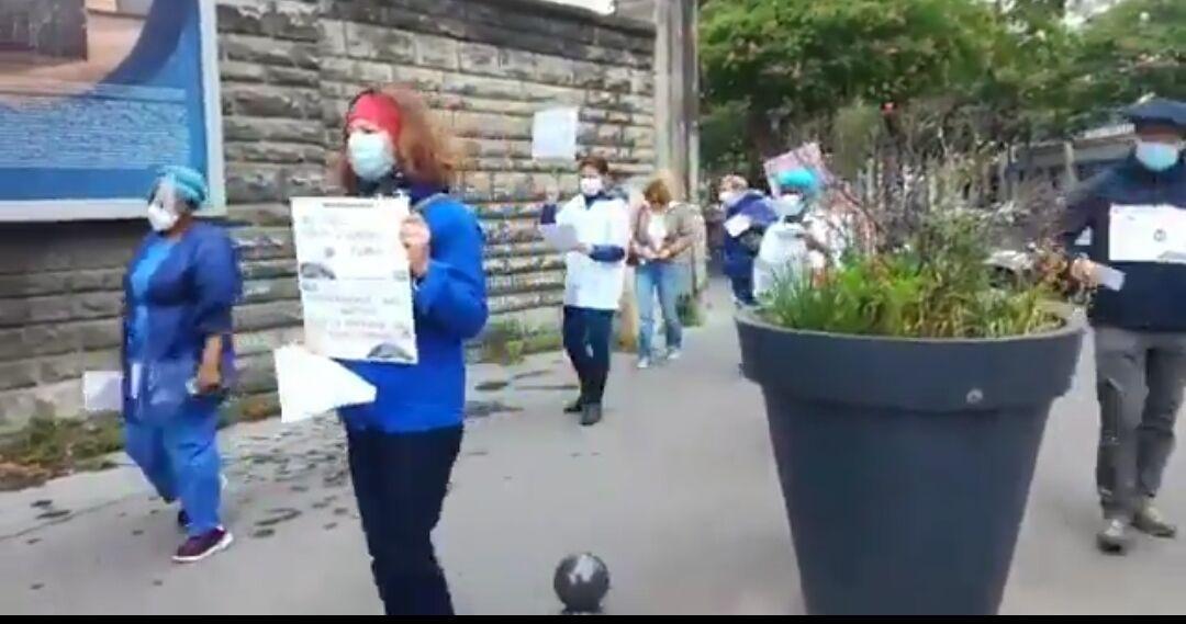 کادر درمانی فرانسه به سیاست های دولت اعتراض کرد