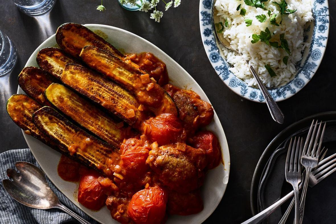 طرز تهیه خورش کدو سبز یا خورش کدو مسما مجلسی با گوشت یا مرغ