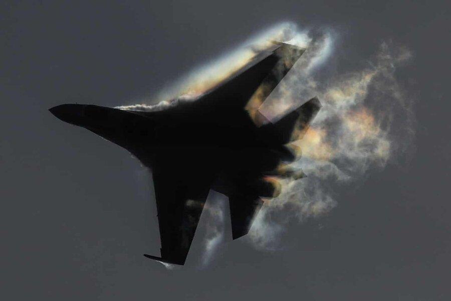 عکس روز، نمایش هوایی سوخوی-35