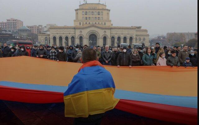 پافشاری اپوزیسیون ارمنستان برای استعفای پاشینیان