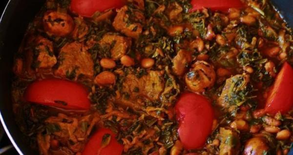 طرز تهیه خورشت قورمه سبزی آذری