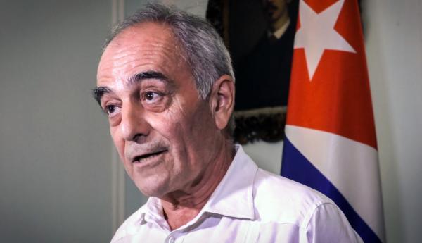 خبرنگاران اتحادیه اروپا سفیرش را از کوبا فراخواند