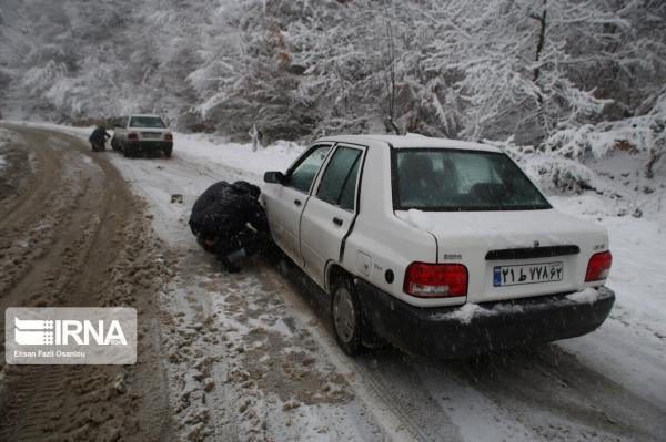 خبرنگاران تردد در گردنه های کوهستانی زنجان با زنجیر چرخ امکانپذیر است