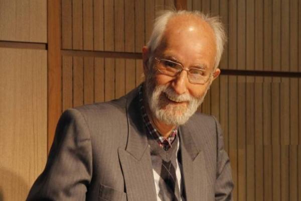 محمدعلی موحد در پیامی کوتاه سال نو را تبریک گفت