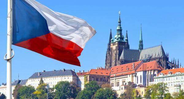 چک 18 دیپلمات روسیه را اخراج کرد