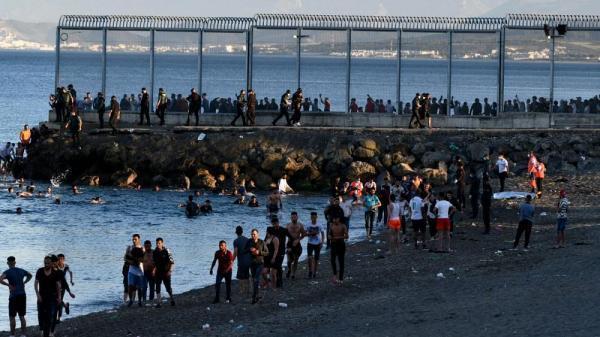 همچنان اخراج مهاجران از اسپانیا ادامه دارد