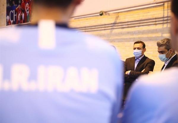 عزیزی خادم: باید نگاه حرفه ای را در فوتسال هم جا بیندازیم، در ژاپن کنار تیم ملی خواهم بود