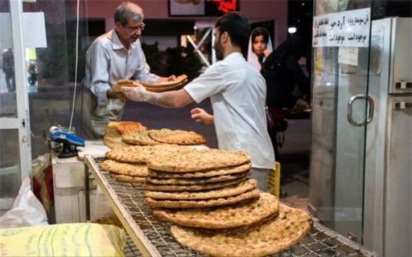 نظارت روزانه بر 80 هزار نانوایی کار سختی است